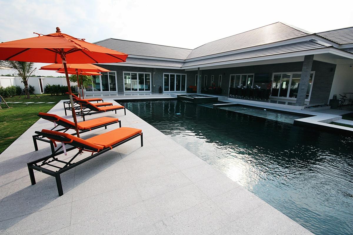 Five Star 5-Bedroom Pool Villa in Hua Hin near Palm Hills Golf Resort