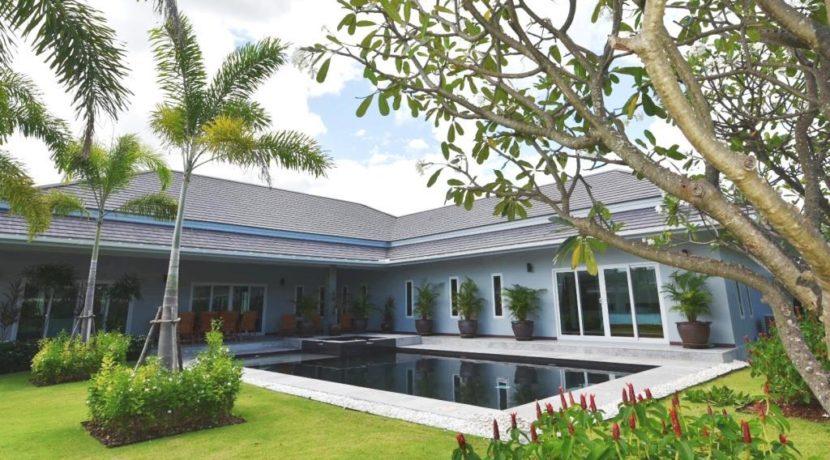 00 Palm Villas luxury pool villa 1