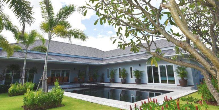 00 Palm Villas luxury pool villa