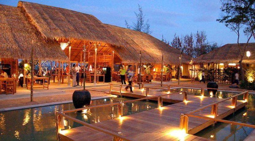 08 Chomtalay beach restaurant