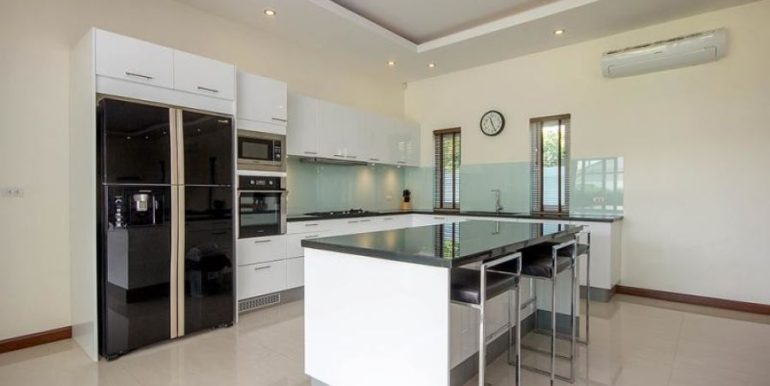 27 Fully fitted European style kitchen