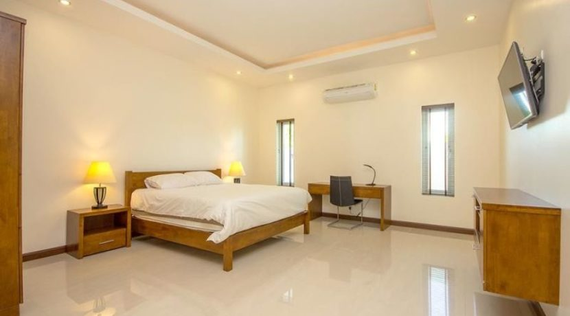 40 Large bedroom 2 2
