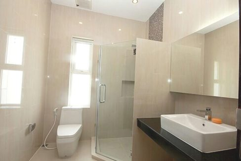 41 Ensuite bathrooms 23
