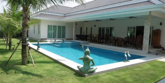 New Luxury Pool Villa in Hua Hin near Palm Hills Golf