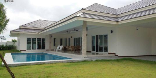 Luxury Pool Villa in Hua Hin near Palm Hills Golf Club