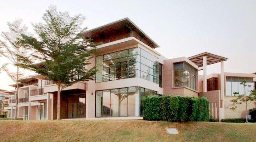 01 Palm Crescent Condominium 1