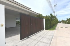 02 Villa fully walled and gated for privacy and security