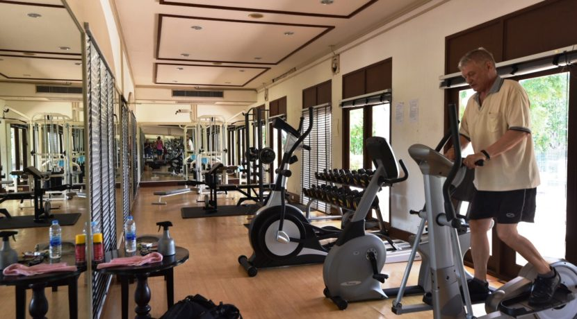 05 Palm Hills Sports Club fitness center