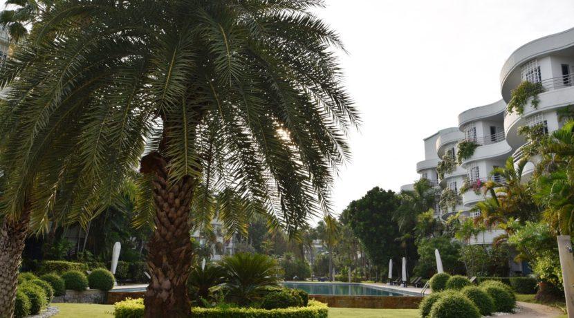 07 Landscaped gardens