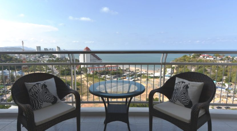 15 Furnished balcony with stunning ocean view