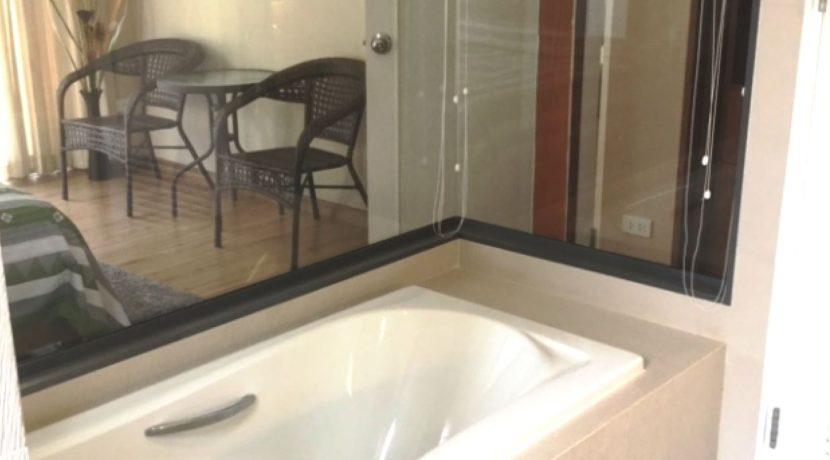 36 Bathroom with hot bathtub 1