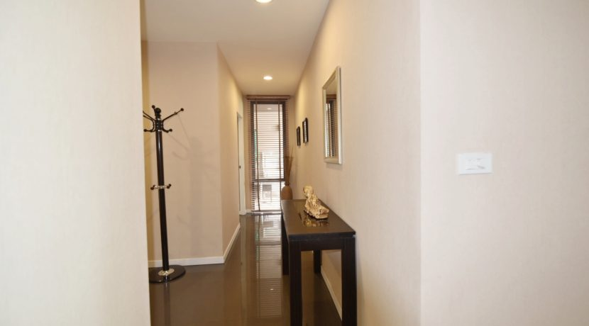 39 Walkway to bedroom #2