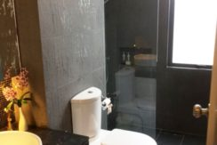 45 Ensuite bathroom 2 2