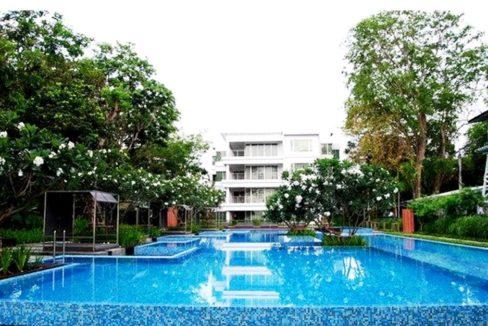 01 Baan Sanpluem Condominium