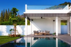 03 Roof terrace with unobstructed mountain view