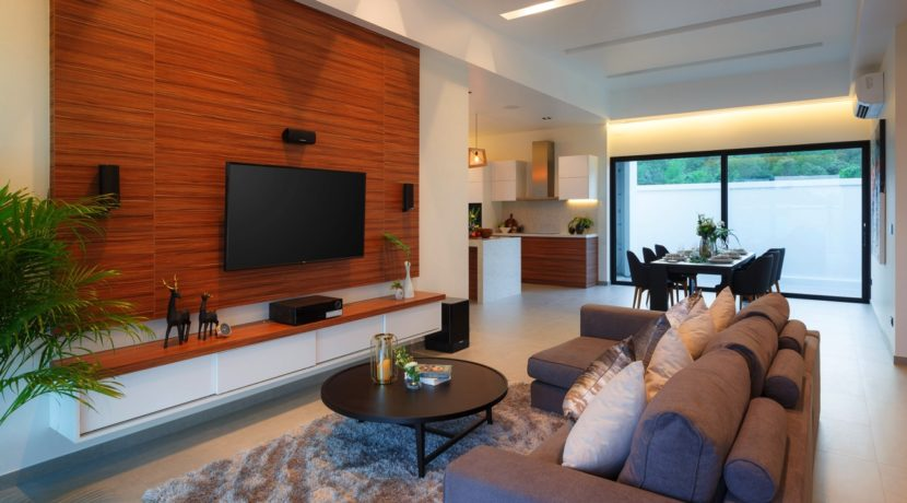 10 Spacious living dining room