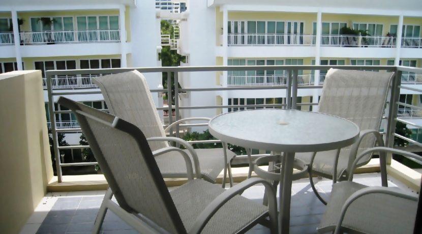 11 Large furnished balcony