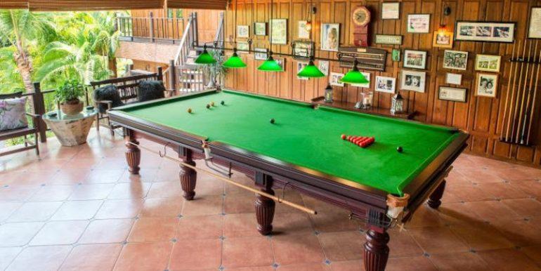 Full sized snooker table