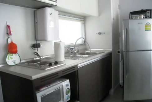 20 Fully fitted kitchen