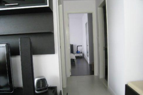 25 Walkway to bedrooms
