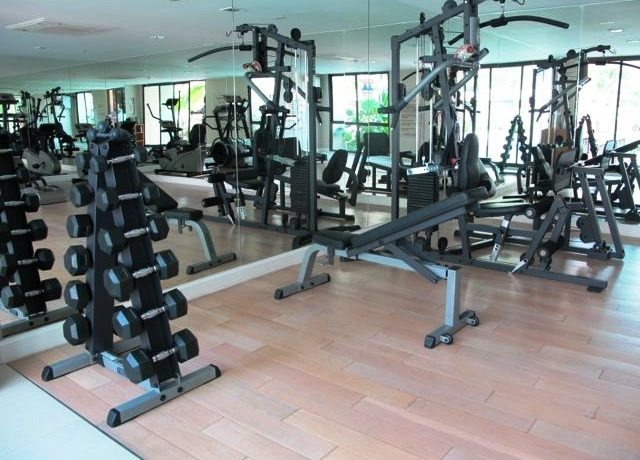 Well-equipped fitness facility