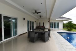 03 Covered fully furnished patio