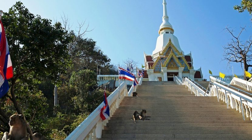 10 Wat Khao Takiab 1
