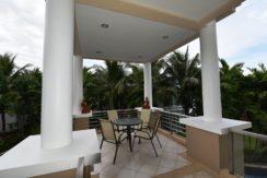 15 Large 24m2 balcony