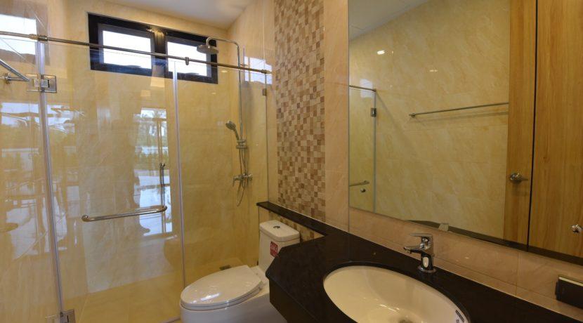 55 Guest washroom 1