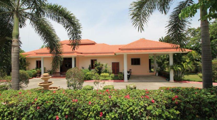 01 Palm Hills Golf Course Villa