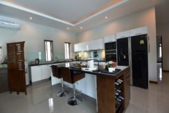20 Fully fited European style kitchen