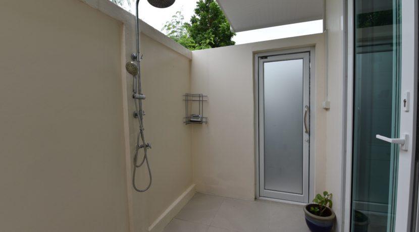 36 Outside open air shower room