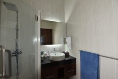 55 Ensuite bathroom 3 1