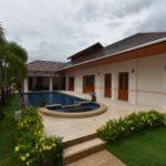 02 Balinese style pool villa