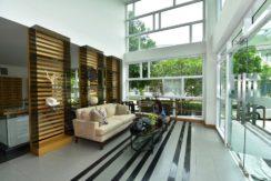 03 Amari Residence lobby