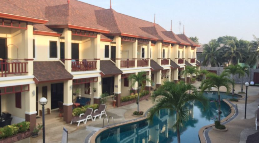 00 Thai Paradise Townhouses in Cha am