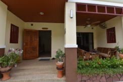 03 House entrance with veranda