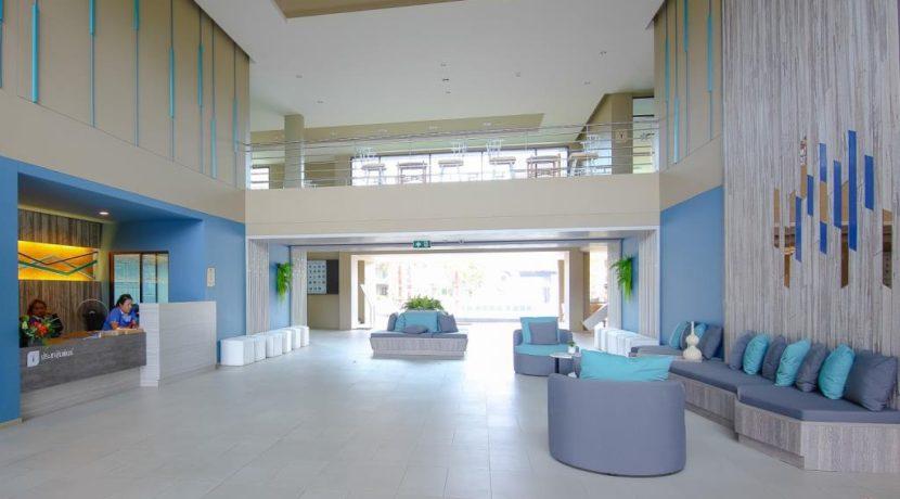 10 Lobby