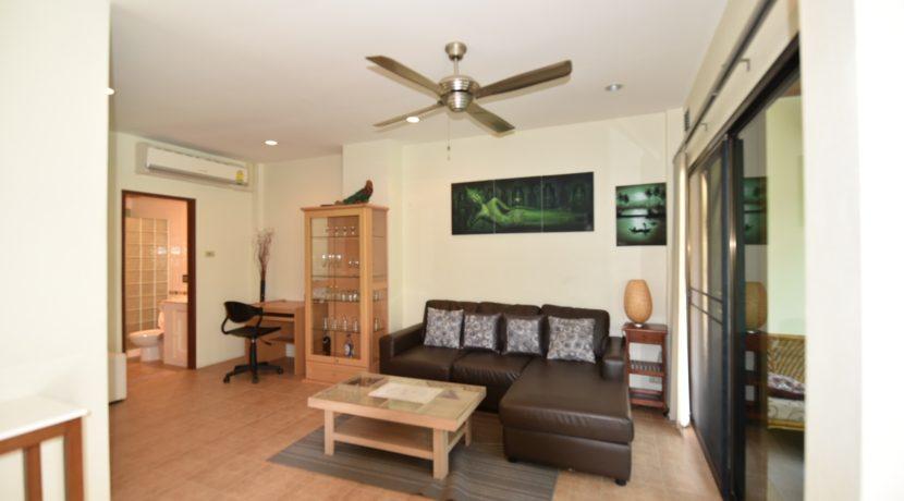 10 Spacious living room 1