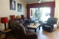 10 Spacious living room 3