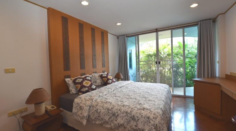30 Master bedroom with terrace access