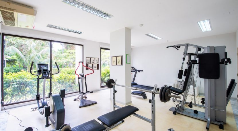 84 Well-equipped fitness room
