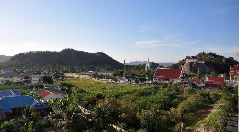 03 Mountain view from condo entrance