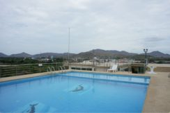 03 Rooftop swimming pool