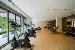 07 Well equipped fitness room