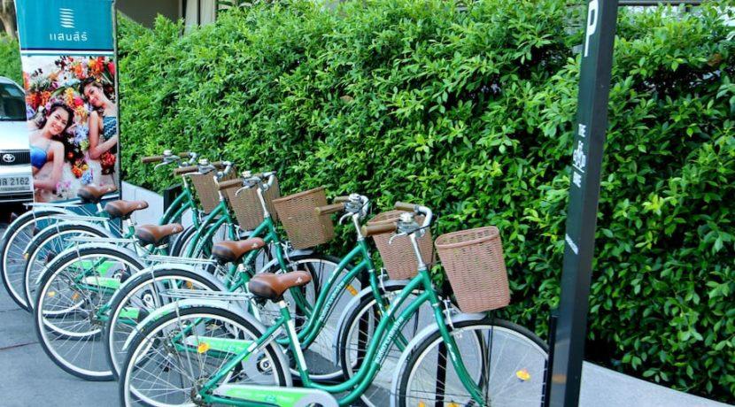 08 Free bikes