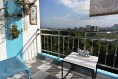 12 Topfloor balcony