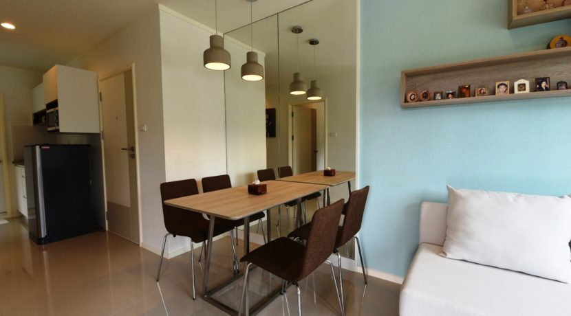 20 Dining area next to kitchen 5