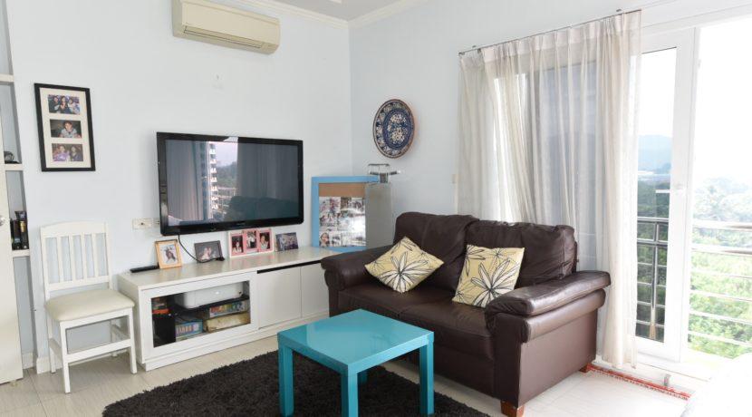 31 Master bedroom TV Corner