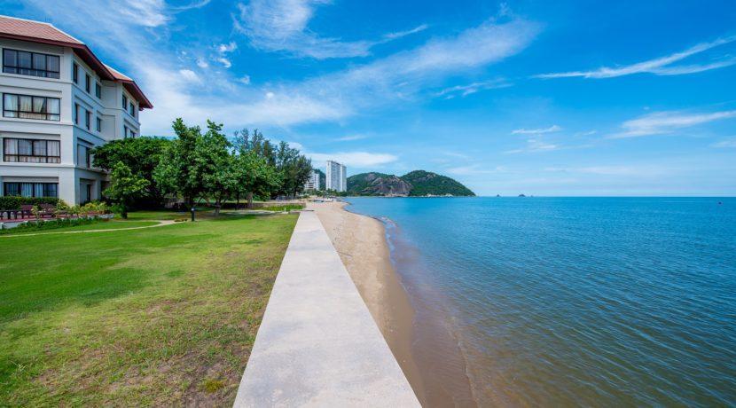 01 Beachfront view northbound